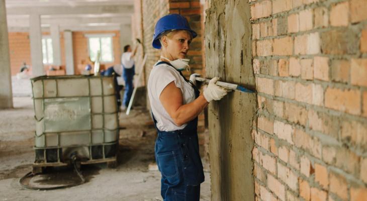 Женщины заменят иммигрантов на российских стройках
