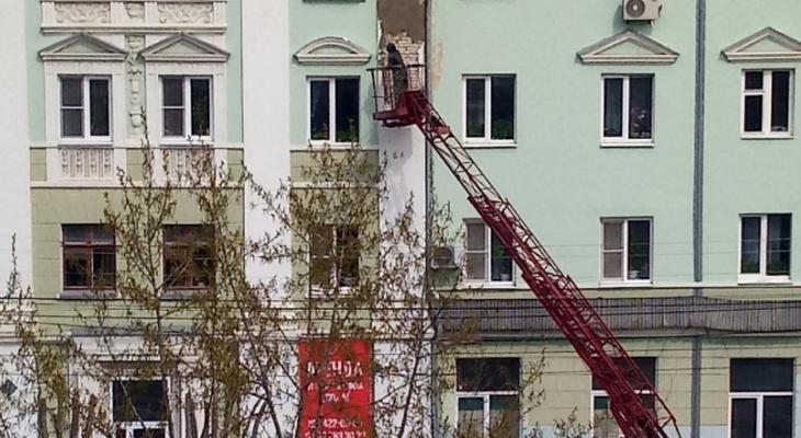 Более 870 килограммов краски потрачено на закрашивание граффити на домах при подготовке к 9 мая