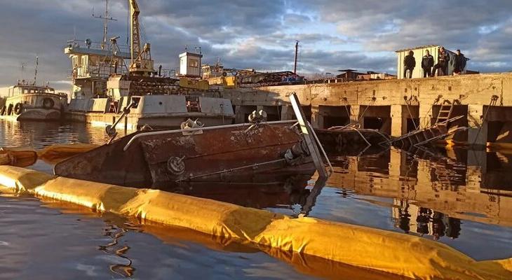 В реке в Нижегородской области затонул буксир