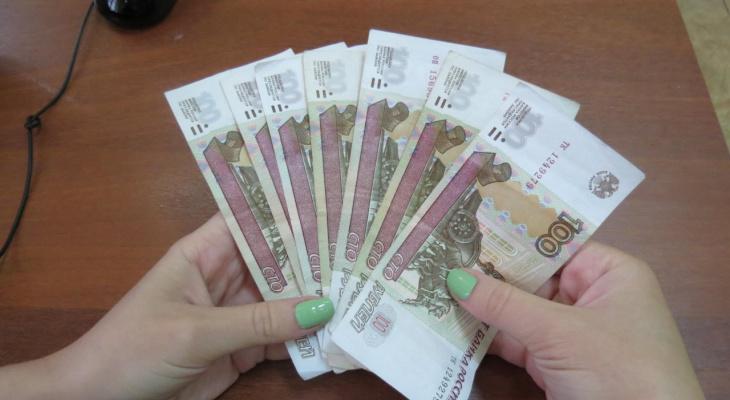 В год пандемии зарплата в Нижегородской области выросла на 2 300 рублей