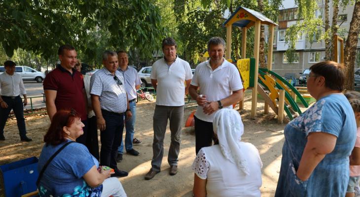 Глава Дзержинска Иван Носков совместно с депутатами городской Думы проверил благоустройство дворов