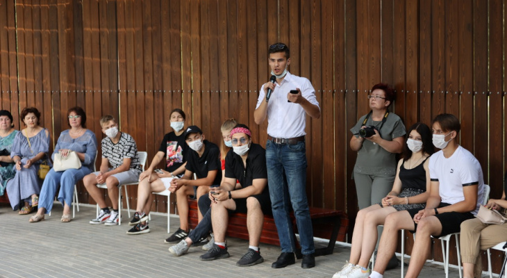 Глава Дзержинска Иван Носков встретился с лидерами молодежных организаций и обсудил планы развития города